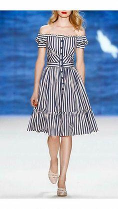 Get inspired and discover Lena Hoschek trunkshow! Shop the latest Lena Hoschek collection at Moda Operandi. Simple Dresses, Cute Dresses, Vintage Dresses, Beautiful Dresses, Casual Dresses, Short Dresses, Fashion Dresses, Summer Dresses, Casual Outfits