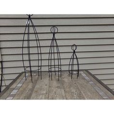 Artscapes This garden art is perfect for use in planters, garden, wall planter boxes. Obelisk Trellis, Garden Trellis, Hanging Flower Baskets, Hanging Pots, Lawn And Garden, Garden Art, Tomato Trellis, Autumn Clematis, Polycarbonate Panels