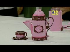 Waldineia Santos shared a video Foam Crafts, Crafts To Make, Diy Crafts, Teapots And Cups, Big Shot, Handmade Crafts, Fun Projects, Something To Do, Tea Pots