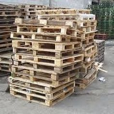 Old Pallets DIY Crafts Video shows how to make great things in with old pallets