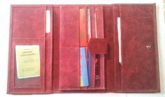 Le grand portefeuille rouge de Margarita