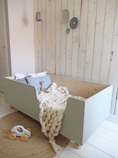 Commode kinderkamer groen - Hints for Women Girls Bedroom, Bedroom Ideas, Baby Room, Toy Chest, Storage Chest, Toddler Bed, Cabinet, Inspiration, Kids