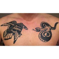 HEALED .  #tattoo #tattoos #tattooed #healedtattoo #tattoosnob #tattooworkers #blackworkers #blackworkerssubmission #blacktattooart #onlyblackart #ink #inks #inked #igdaily #igtattoo #art #artwork #oldschooltattoo #traditionaltattoo #eagletattoo #snaketattoo #deutschland #germany #germantattooers #essencity #thekewpieparlor #topclasstattooing #realtattoos #chesttattoo #customtattoo