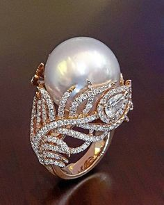 @wut_primagems. South sea pearls 17.50mm Pink gold and diamonds