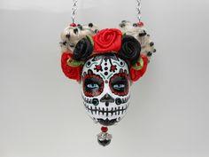 """Sautoir tête de Barbie crâne mexicain """"L'amoureuse"""" : Collier par jennifleur"""