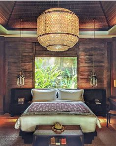 The glowing chandeliers in our villas are eye-catching, but they compete to be the center of attention with other details, like colorful textiles and walls hung with intricate depictions of Balinese life. Bali Bedroom, Bali Decor, Focal Points, Balinese, Ubud, Spas, Outdoor Furniture, Outdoor Decor, Villas