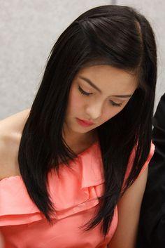 Kim Chiu by Cyber+Nomad, via Flickr Filipina Actress, Filipina Beauty, Asian Celebrities, Modern Photography, Drawing Poses, Beautiful Asian Women, Pinoy, Filipino, Asian Woman