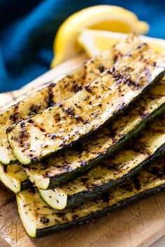 Grilled Zucchini is a summertime favorite! Cooking this summer garden vegetable … Grilled Zucchini is a summertime favorite! Cooking this summer garden vegetable favorite on the grill brings out a lot of great flavor in a matter of minutes. It's so easy! Healthy Grilling Recipes, Cooking Recipes, Grilling Tips, Vegetarian Grilling, Barbecue Recipes, Barbecue Sauce, Vegan Recipes, Summer Grill Recipes, Bbq Tips