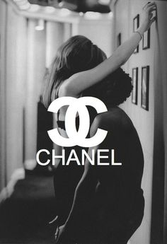 Really Awesome Weird Things Boujee Aesthetic, Aesthetic Vintage, Aesthetic Pictures, Aesthetic Outfit, Chanel Wallpapers, Cute Wallpapers, B&w Wallpaper, Wallpaper Backgrounds, Images Murales