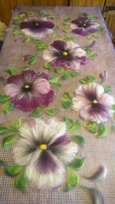 Fabric Paint Designs, Nuno Felt Scarf, Felted Scarf, Felt Pictures, Needle Felting Tutorials, Felt Embroidery, Wool Art, Felt Patterns, Nuno Felting