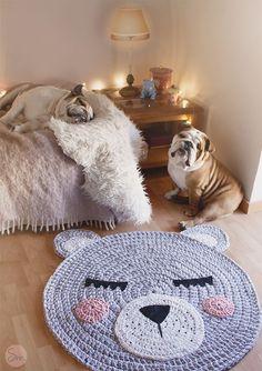 Crochet cat / bear tshirt yarn trapillo pattern by Susimui Crochet Bear, Crochet Home, Cute Crochet, Crochet Birds, Crochet Mandala, Mandala Pattern, Crochet Animals, Animal Rug, Bear Rug