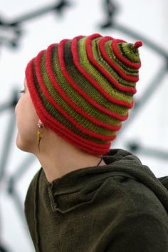 This wonderfully structured design is knit in a buttery soft yarn, resulting in a striking and very wearable Hat. The ridges are created using a combination of knitted tucks and folding hems, and all the techniques needed are included in the pattern.