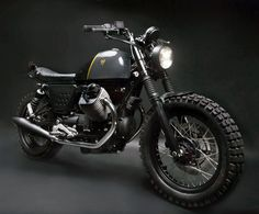 Moto Guzzi V7 Stone Street Tracker by VENIER CUSTOMS #motorcycles #motos #streettracker | caferacerpasion.com