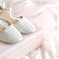 Always heart eyed for the pretty & girly things in life ☁️🎀☁️ wishing you a magical weekend! 🐇 - @catherine.mw 𝒞𝒶𝓉𝒽𝑒𝓇𝒾𝓃𝑒 𝑀𝒶𝓇𝒾𝑒 Pretty Shoes, Pretty In Pink, Mode Shoes, Have A Lovely Weekend, Princess Style, Glass Slipper, Girly Things, Girly Stuff, Pink Aesthetic