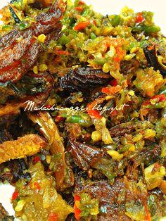 Fish Recipes, Seafood Recipes, Asian Recipes, Cooking Recipes, Ethnic Recipes, Recipies, Sambal Sauce, Nasi Bakar, Indonesian Food