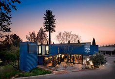 Coffee shop and showroom built with shipping containers