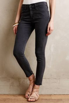 AG Farrah Crop Jeans #anthrofave #anthropologie