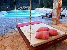 i want an outdoor swing bed!!!