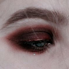 makeup kaise kare eye makeup cause watery eyes makeup how to makeup artist makeup for 62 year old eye makeup suits me makeup with black dress much is clinique eye makeup remover Grunge Makeup, Goth Makeup, Blue Eye Makeup, Makeup Kit, Skin Makeup, Makeup Inspo, Makeup Inspiration, Makeup Meme, Makeup Primer