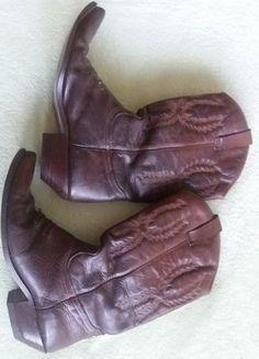 Kupuj mé předměty na #vinted http://www.vinted.cz/damske-boty/kozacky/13795902-tmave-hnede-rucne-site-kozene-kovbojske-kozacky-el-rancho