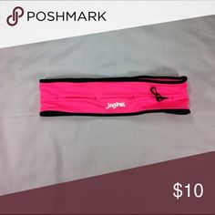 Pink jog pal running belt Jog pal running belt size medium- pockets to hold keys, money, cars and a zippered pocket for cell phone. jogpal Accessories Belts