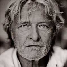Rutger Hauer by Hans Peter van Velthoven. The older the better. Dutch Actors, Rutger Hauer, Hans Peter, Film Icon, Look At My, Men Are Men, People Of Interest, Celebrity Portraits, Interesting Faces