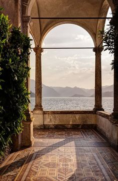 View of Lake Como from Villa Monastero Located in Varenna, Italy this estate goes on and one for what seems to be forever. The sun was almost down by the time I made it to the train. italy View of Lake Como from Villa Monastero - Battered Luggage Oh The Places You'll Go, Places To Travel, Travel Destinations, Beautiful World, Beautiful Places, Peaceful Places, Lake Como Villas, Comer See, Travel Aesthetic