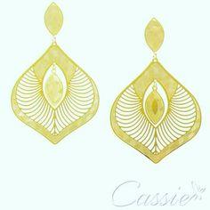 Brinco Dome folheado a ouro com garantia.  BLACK FRIDAY CASSIE: 35%  DE DESCONTO EM TODA LOJA ATÉ 06.12.2015. APROVEITE!!  AS NOVIDADES TAMBÉM ESTÃO EM BLACK FRIDAY!!! ▃▃▃▃▃▃▃▃▃▃▃▃▃▃▃▃▃▃▃▃▃▃▃ #Cassie #semijoias #acessórios #folheadoaouro #folheado #instasemijoias #instajoias #fashion #lookdodia #dourado #tendências #banhadoaouro #lindassemijoias #semijoia #semijoiasfinas #feminino  #blackfriday #descontos #brinco #brincoleve #brincos #brincoslindos #brincofolheado #brincodivo