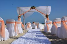 Montaje de boda en Coral Costa Caribe Montaje boda en la playa #JuanDolio #weddings #weddinginspiration #Caribbean #weddingdecoration #beachwedding #beachbride #brides #ceremony