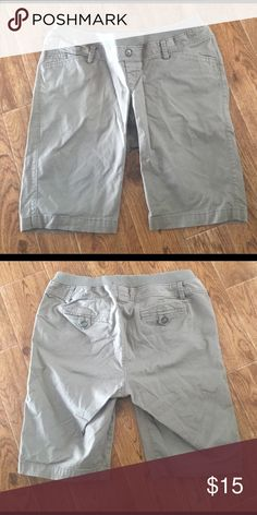 6c2e870ce40b5 Longer length maternity shorts Hits at about the knee. Old Navy Shorts  Bermudas