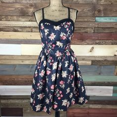 "Laura Ashley Navy Floral Sweetheart Dress Laura Ashley Navy Floral Sweetheart Dress  Gorgeous dress in pristine condition. Floral pattern.  B: 18""  / L: 36""  / W:15""   #woodsnap #lauraashley #navyfloral #sweetheartneckline #fitandflare #datenight #girly #girlychic Laura Ashley Dresses"