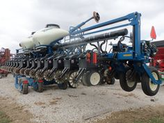 32 row Kinze 3600 corn planter