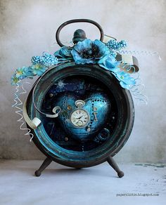 Absolutely beautiful altered alarm clock inspired by Through the Looking Glass ~ by Riikka Kovasin - Paperiliitin