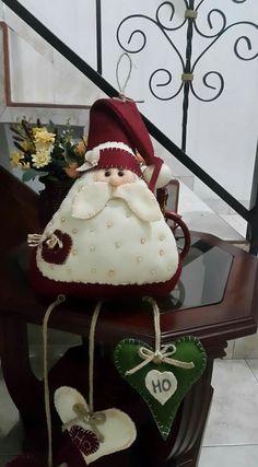 Felt Christmas Stockings, Felt Christmas Ornaments, Handmade Ornaments, Diy Christmas Gifts, Christmas 2019, All Things Christmas, Santa Decorations, Merry Xmas, Holiday Crafts
