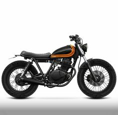 This amazing scrambler motorcycle suzuki is certainly an inspirational and very good idea Suzuki Cafe Racer, Cafe Racer Build, Tracker Motorcycle, Scrambler Motorcycle, Moto Bike, Brat Bike, Yamaha 125, Honda 125, Custom Motorcycles
