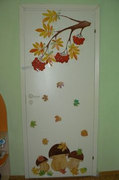 Fensterdeko Herbst Grundschule 2019 Fall window decoration primary school 2019 Fall window decoration primary school, models for children, model, models Autumn Crafts, Fall Crafts For Kids, Autumn Art, Diy And Crafts, Paper Crafts, Diy Paper, Fall Window Decorations, School Decorations, Fall Decor