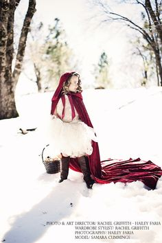 Red Riding Hood - Inspiration - Fairytale Photography - Red Riding Hood in the snow