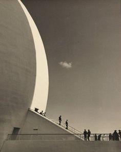 Arthur Hammond. Semi-Lunar (New York World's Fair), 1939.