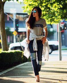 Ray Ban Sunglasses, Front Row Shop Sweatshirt, Zara Jeans