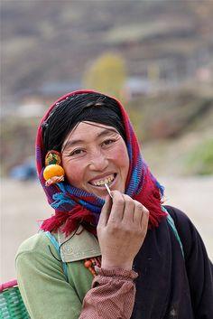 Tibetan woman by ming1967, via Flickr