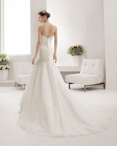 8B159 PENELOPE | Wedding Dresses | 2015 Collection | Alma Novia | Shown without detachable Tulle Jacket (back)