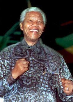 Nelson Mandela's Style Remembered: His Signature Bold & Colorful Madiba Shirts (PHOTOS)