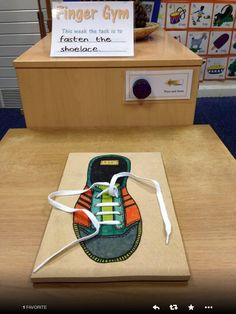 Finger Gym -Picture of tie your shoelace board.-There are drilled holes in the wood with the lace threaded through. Motor Skills Activities, Gross Motor Skills, Sensory Activities, Activities For Kids, Activity Ideas, Fine Motor Skills Development, Physical Development, Eyfs Classroom, Classroom Displays