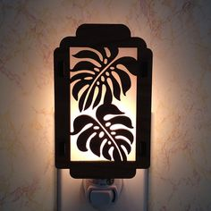 Monstera Tropical Leaf Night Light by robwhitmore on Etsy Laser Cut Lamps, Laser Cut Wood, Laser Cutting, Luminaire Design, Lamp Design, Plasma Cutter Art, Diy Light Fixtures, Scroll Saw Patterns, Night Lamps