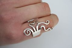 sterling silver ring by vogelpik on Etsy, €40.00