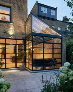 BLEE HALLIGAN ARCHITECTS have added a new kitchen and dining room to a four storey victorian terrace house in Highbury, creating a bright new living space for the owner and their large family. House Extension Design, Extension Designs, Glass Extension, House Design, Extension Ideas, Garden Architecture, Architecture Design, Victorian Terrace House, London House