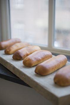 Zelf Brabants beste worstenbroodjes bakken? Dat doe je samen met Robèrt van…