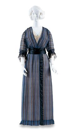 Day Dress | House of Worth | France | 1910 | Bunka Gakuen Costume Museum