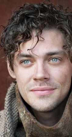 Pictures & Photos of Tom Payne - IMDb