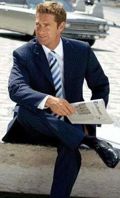 Another model who's been featured in the pages of this German retailer for well over a decade, Cameron Lee, from the United States. Sharp Dressed Man, Well Dressed Men, Black Suit Men, Tuxedo For Men, Classic Man, Suit And Tie, Attractive Men, Good Looking Men, Model Agency